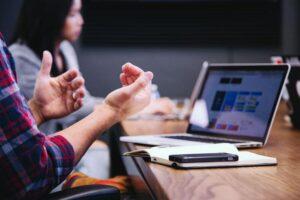 hire developers: write the right job description